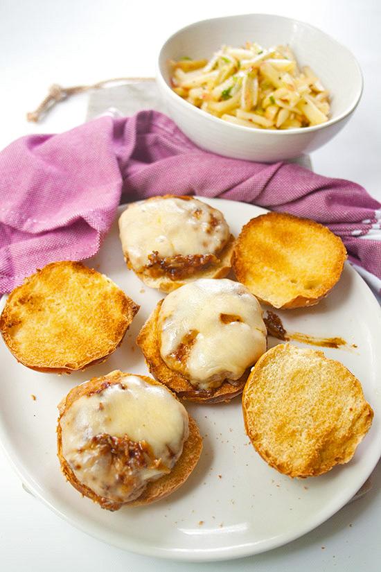 Chipotle Turkey Burgers   brightrootskitchen.com