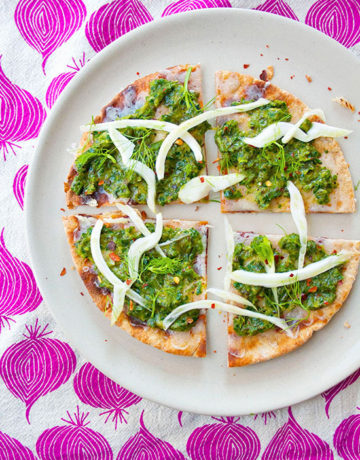 Charred Scallion Fennel Flatbread| brightrootskitchen.com